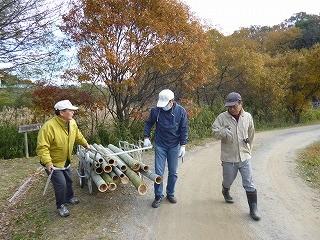 「頑張ってます」左から山田さん、高橋さん、大木さん