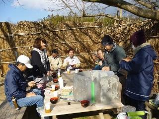 鈴木さん手作りのぜんざいを食べながら会話が弾みます