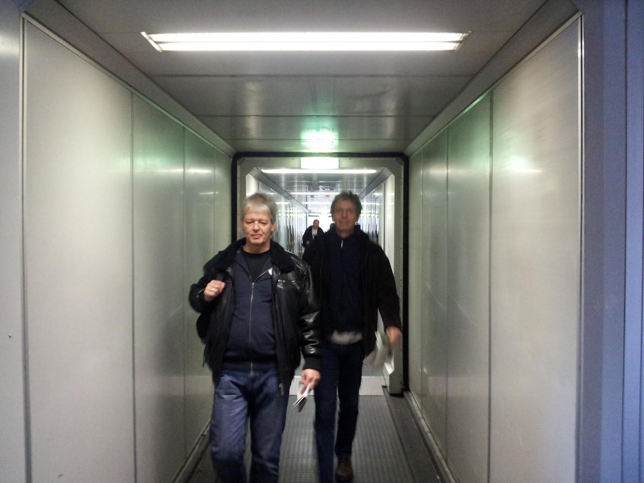 Boarding (16:45 Uhr)