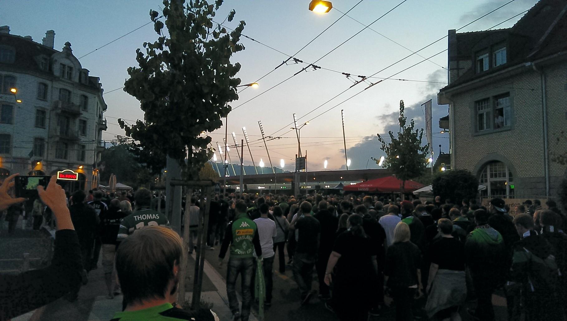 Ankunft am Stadion
