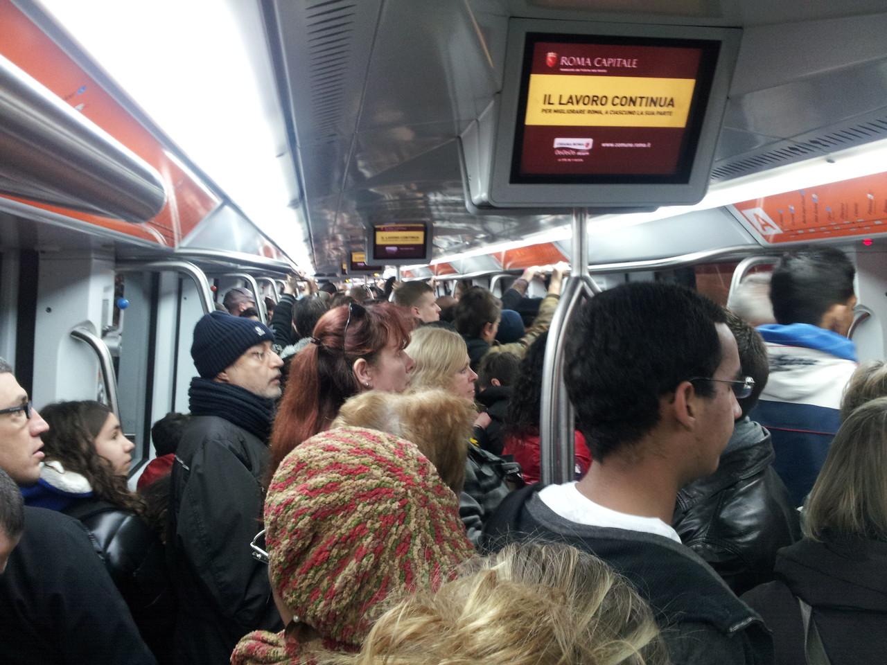 U-Bahn in Rom (10:20 Uhr)