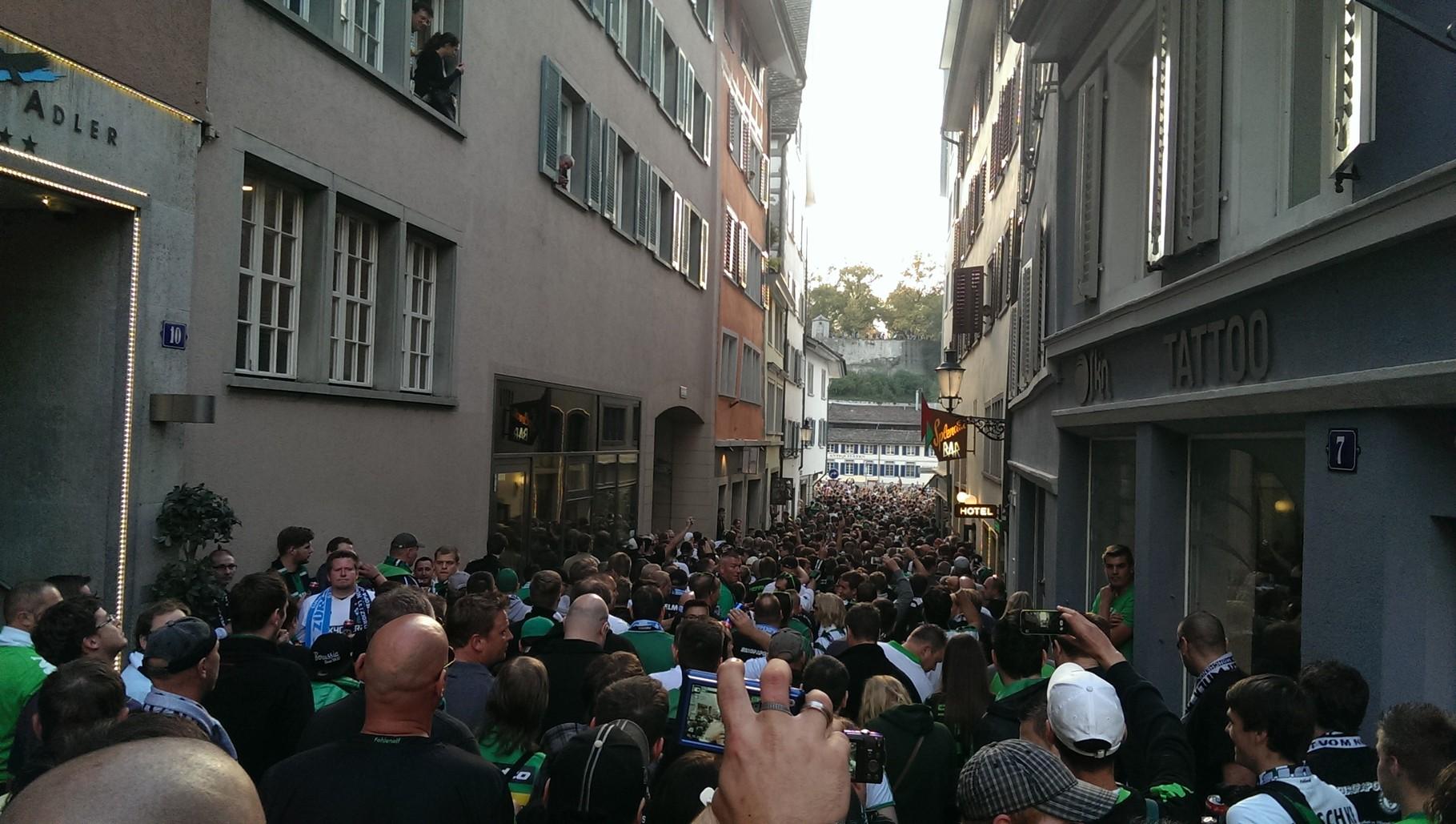 Marsch zum Stadion