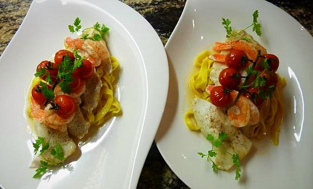 Filet de St Pierre & crevettes rôtis à l'huile de crustacé