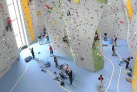 46c7ea809a81ea Eine Kletterhalle mit allem was das Herz begehrt... umfangreiches  Kursangebot