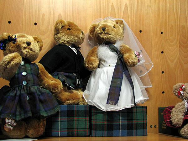 Bärig - tartan wedding couple im Besucherzentrum.