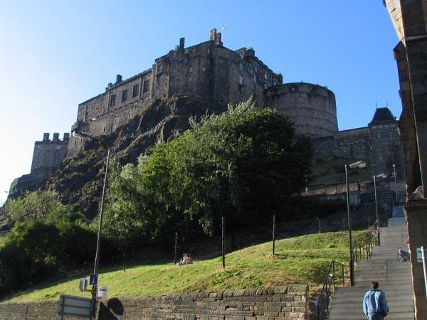 Edinburgh Castle -  Richtung Grass Market