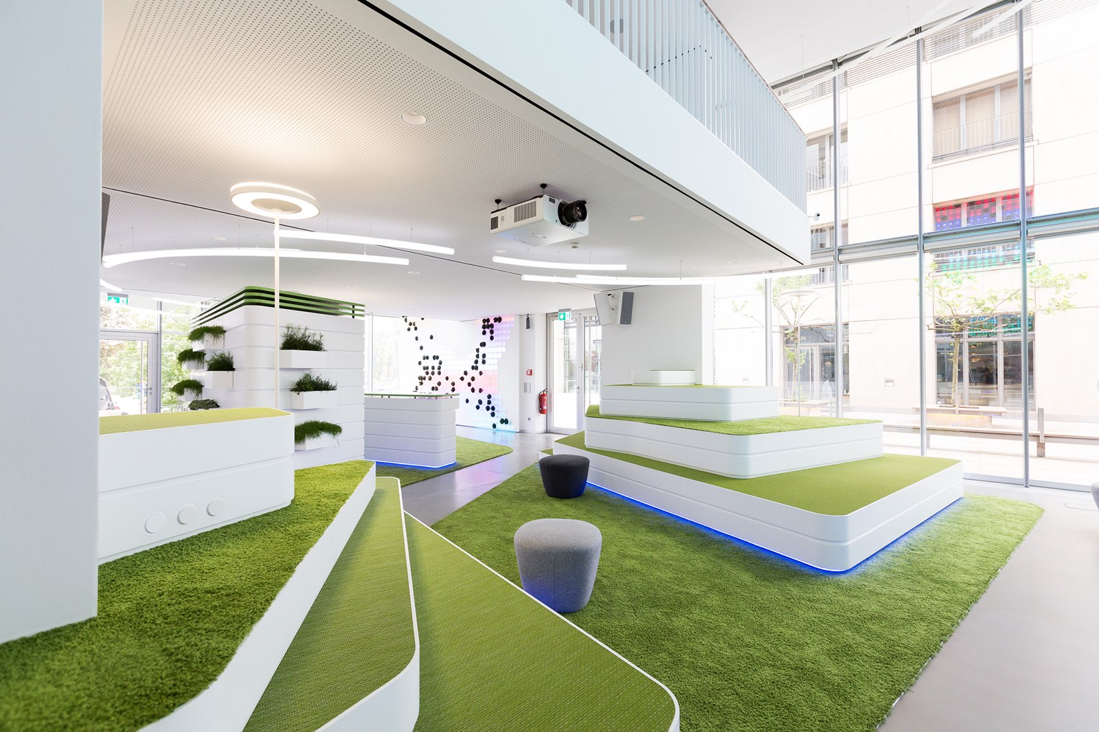 "InVision Düsseldorf: ""Digital Garden"" – Foto: Marc Thürbach."