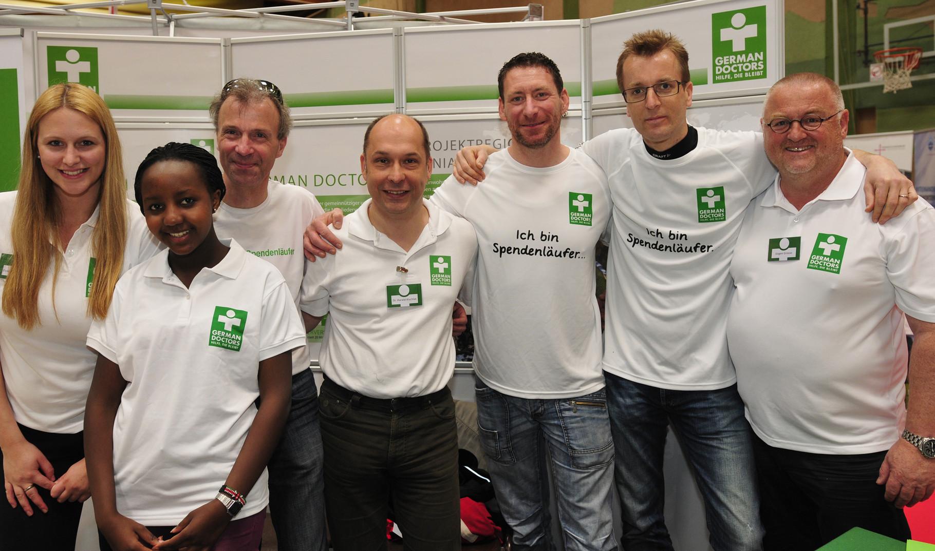 mit den spendenläufern und den german doctors beim e.on kassel marathon 2014
