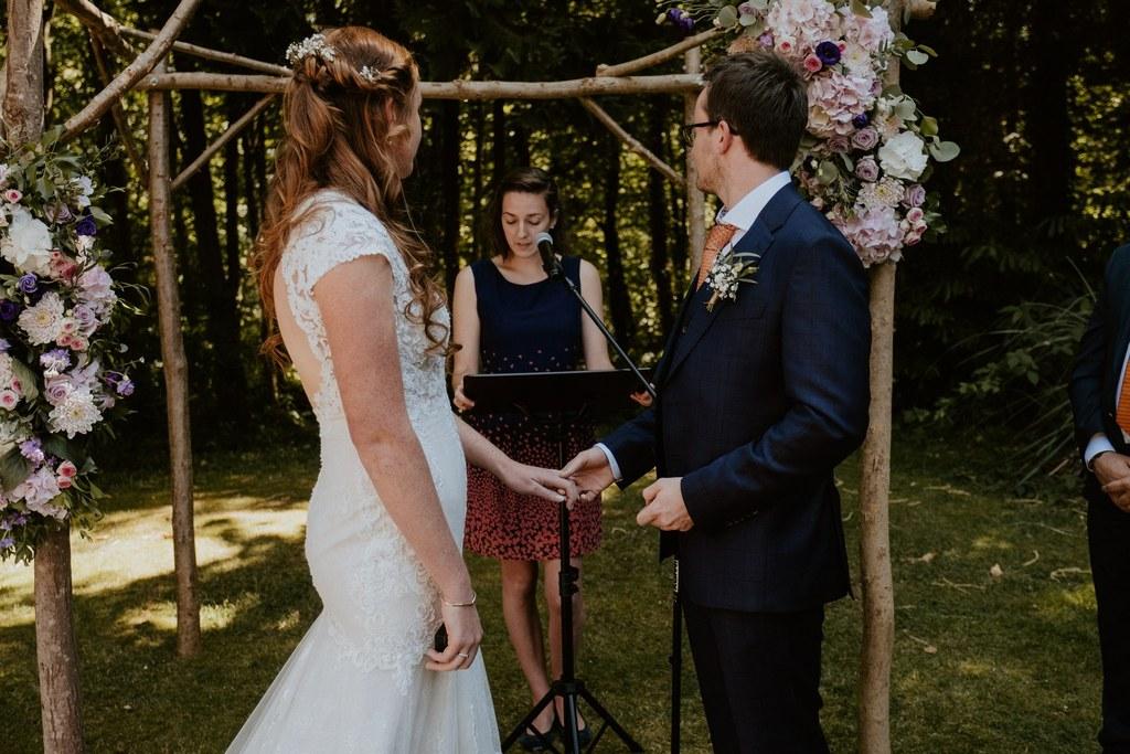 Hortense Guillemin - Agence Coeur de Breizh - Wedding Planner & Officiante de Cérémonies Laïques