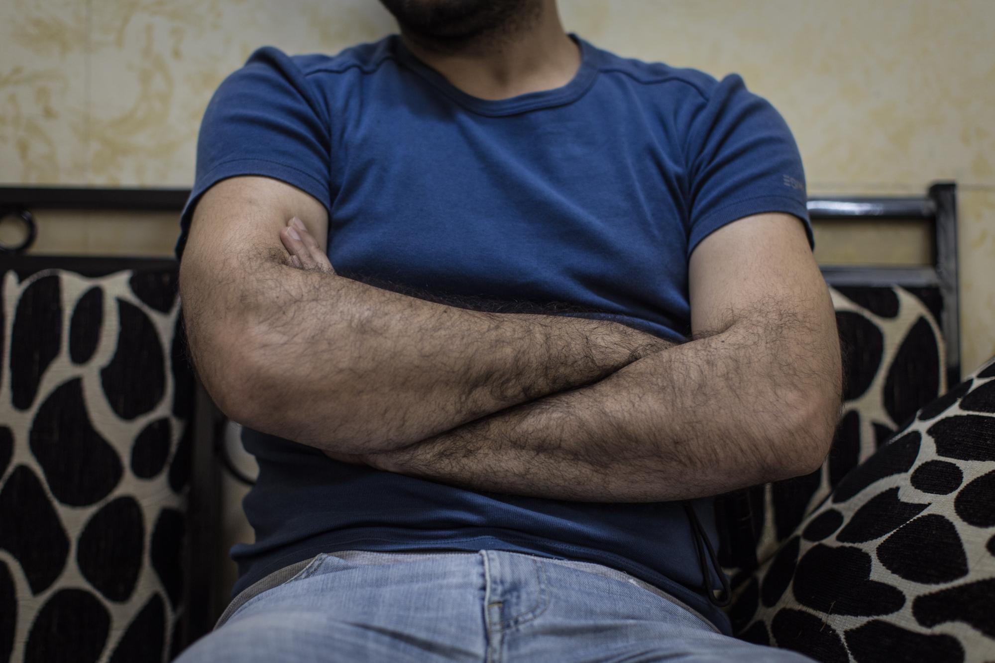 Abu Jana, ex-oficial del ejército. Sima Diab/The Guardian