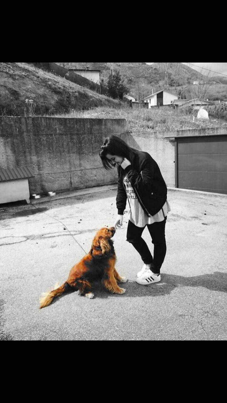 Me llevaría a mi perro porque es lo mejor que tengo y es el que más compañía me hace. Cuando tengo problemas, él me apacigua y siempre me saca una sonrisa. No podría vivir sin él.