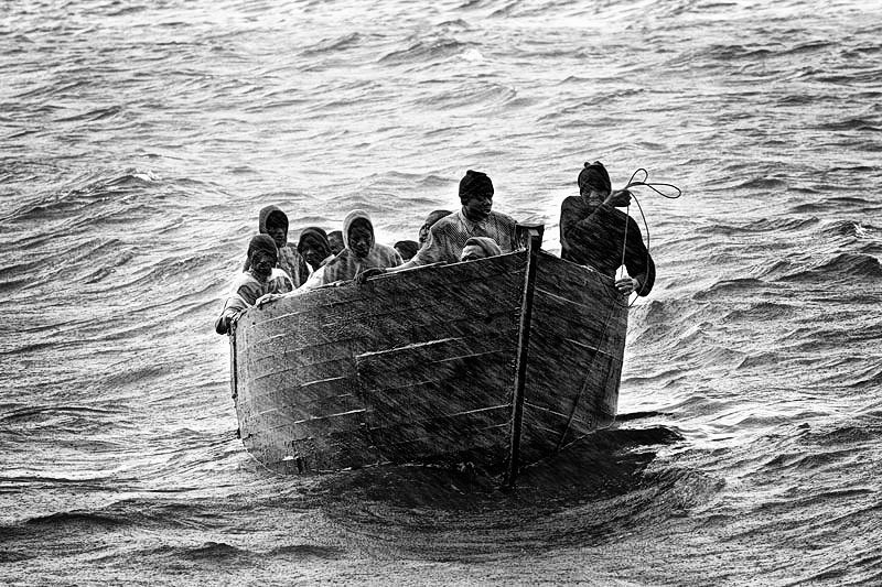 Arriving in Europe: Canary Islands (2005). Samuel Aranda