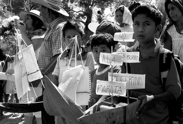 La presa de La Parota, México. Concentración contra la construcción de la presa, cancelada en 2010 por problemas financieros. Frontera Images