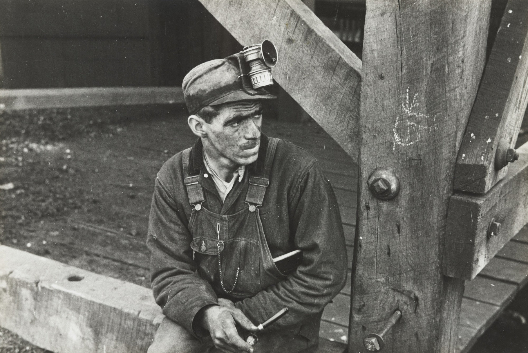 Coal miner in Jenkins, Kentucky (1935). Ben Shahn