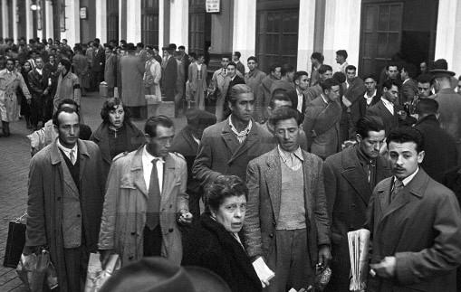 Salida del primer contingente de trabajadores españoles para Bélgica. Madrid (1957). Manuel Iglesias/EFE