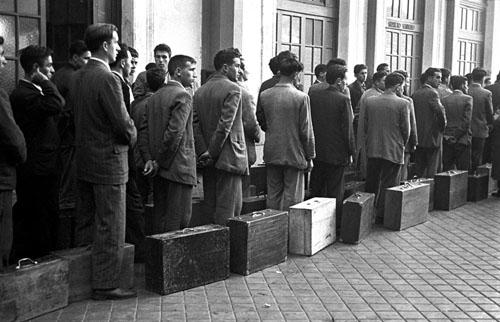 Salida de trabajadores españoles para Bélgica (1957). Manuel Iglesias/EFE