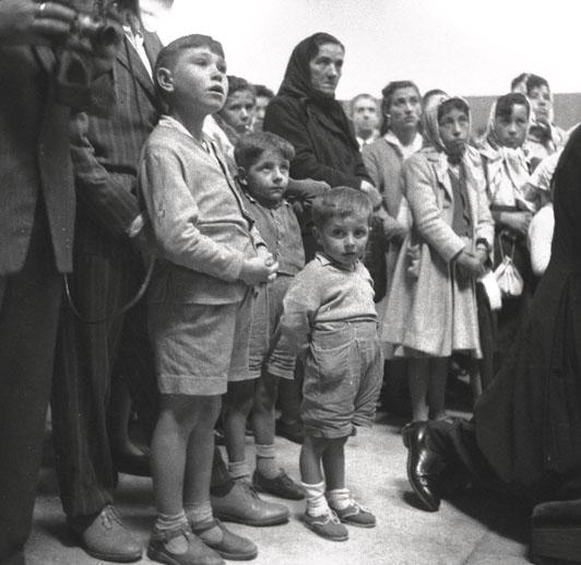 Despedida de emigrantes (1957). Puerto de A Coruña