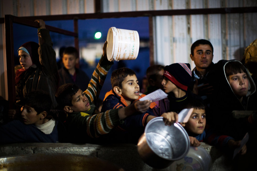 Niños sirios refugiados en frontera con Turquía (2012). Manu Brabo/Associated Press
