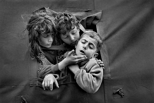 Refugee camp. Macedonia (1999). Cristina García Rodero/Magnum Photos