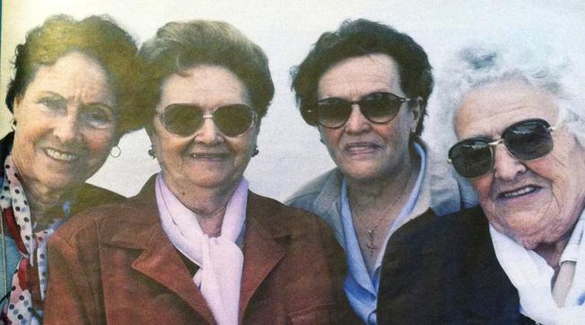 Las hermanas Ruiz en el mismo orden. Gijón, 2014