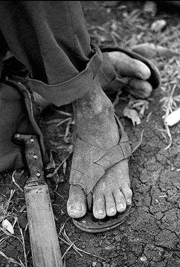 Indígenas zenúes del resguardo el Volao, en Necoclí, Antioquía, desplazados tras el asesinato de sus líderes (1995). Jesús Abad/CNMH