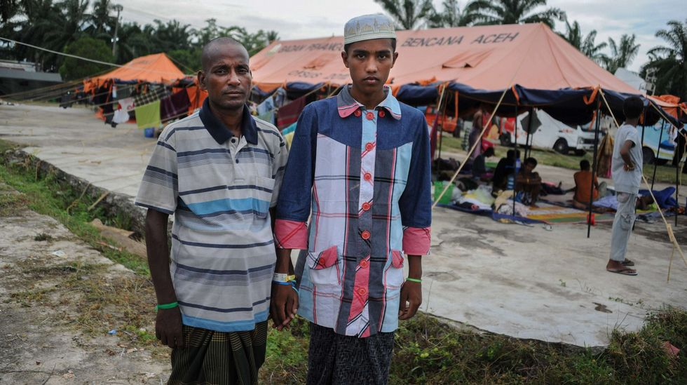 Hamid Husen (rohingya) y Muhammad Ehsan (bangladesi) quince días después del rescate (2015). Chaideer Mahyuddin/AFP