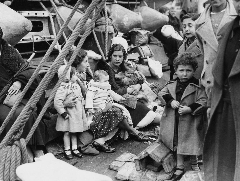 Familias españolas llegan a Francia a bordo del barco 'Chateau Margaux'