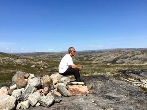 Der Eskimoälteste Angaangaq zeigt uns sein Land