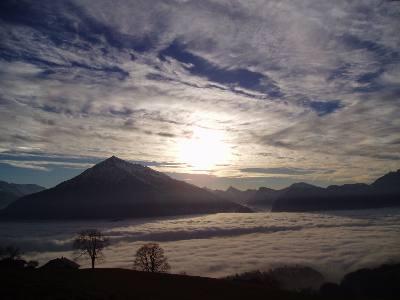 Niesen (= Fujiyama vom Berner Oberland).
