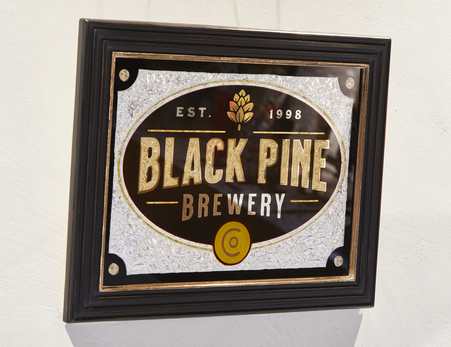 Handgefertigtes Firmenschild im Vintage Style, Hinterglasvergoldung
