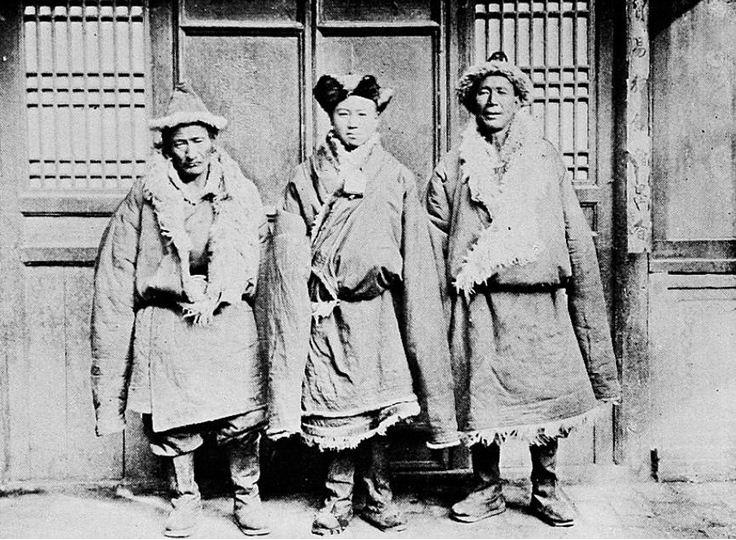 L. Schram, Le mariage chez les T'ou-jen du Kan-sou (Chine) Variétés Sinologiques n° 58. Imprimerie de la mission catholique, T'ou-sè-wè — Zi-Ka-Wei, Changai, 1932.