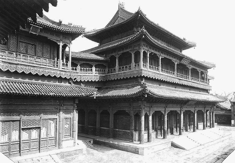 112. — Temple des lamas. Le principal édifice du temple.
