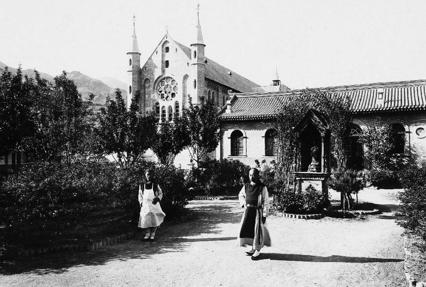 159. — Trappe de Yang-Kia-Ping. L'église ; vue prise du jardin.