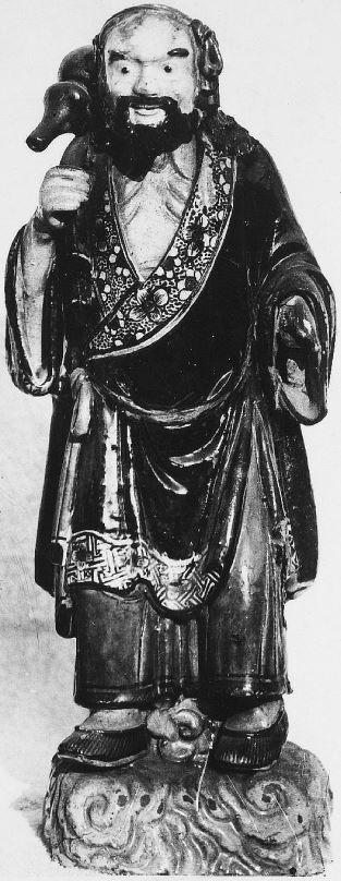 340. — Statuettes en porcelaine, époque de l'Empereur Kien-loung, dynastie des Tsing. Collection de Mgr Favier, évêque de Pékin.