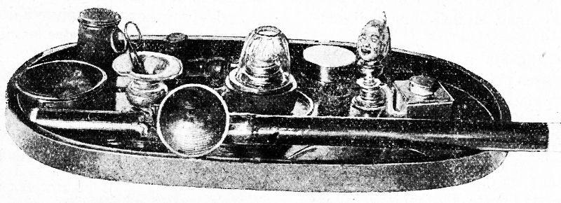 Ustensiles d'un fumeur d'opium. À travers le monde. Hachette, Paris, 1906, pages 337-340.