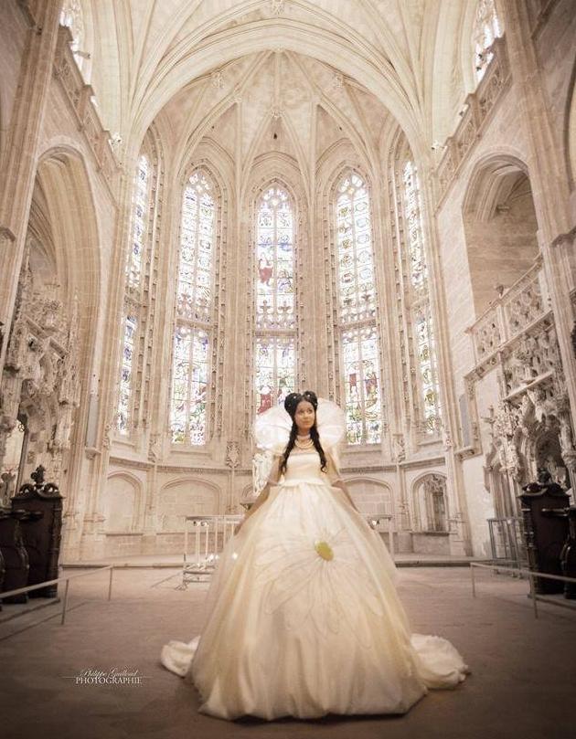 Création sur mesure de la robe pour couleur d'amour en hommage à Marguerite d'Autriche