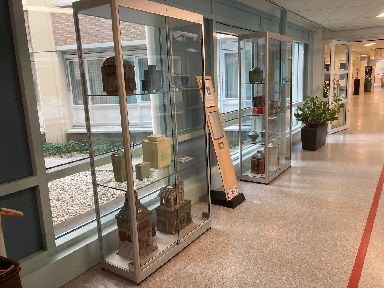 Vitrine expositie NoordWest Ziekenhuis Alkmaar
