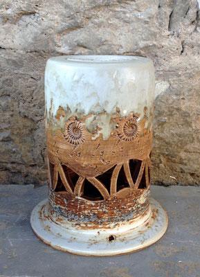 Keramik Säule als Grablicht handgemacht, Dekor Basalt