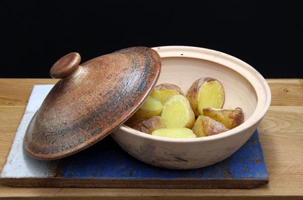 Tajine mit Kartoffeln im Backrohr gebacken