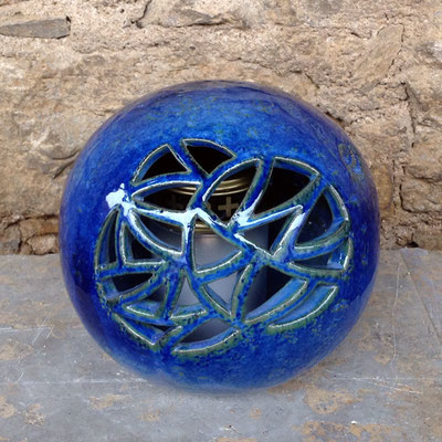 Keramik Kugel als Grablicht handgemacht, Dekor Blick ins Meer