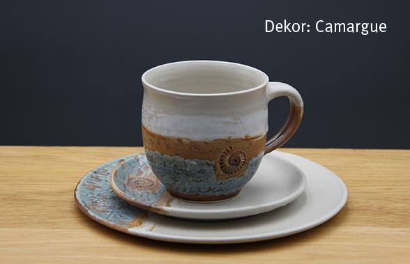 Keramik Kaffee- / Teegedeck Tasse zylindrisch, Unterteller, Kuchenteller Dekor Camargue