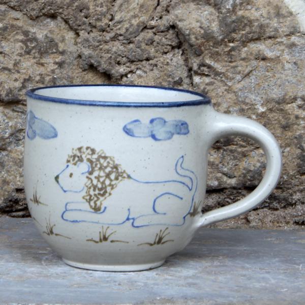Keramik Kindertasse mit Löwe, ø ca. 9 cm, h ca. 9 cm,  handgemalt
