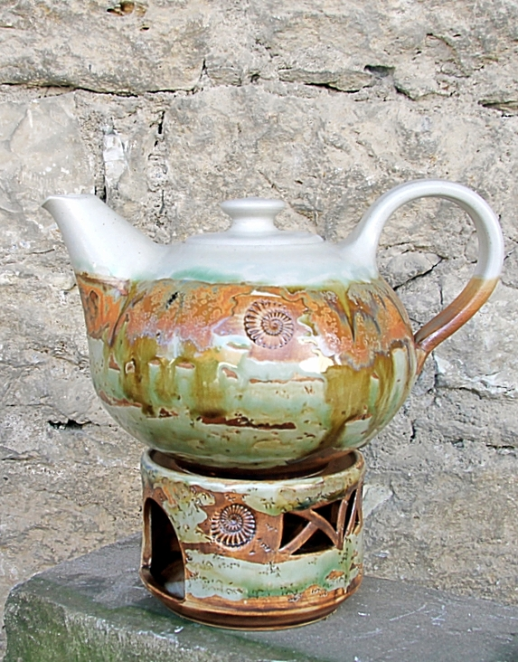 Keramik, Teekanne mit Stövchen Dekor Neuseeland