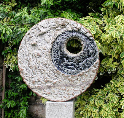 Keramik handgemacht, Stele Geborgen