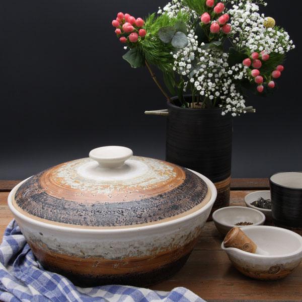 Keramik, Brottopf Dekor Basalt ø ca 32 cm h ca. 12 cm, mit Vase
