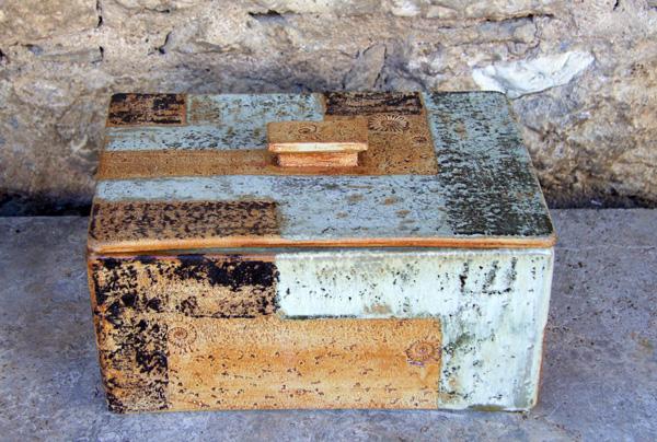 Keramik, Brottopf gebaut, Basalt, ca. 20 cm x 28,5 cm, h . ca. 13,5 cm