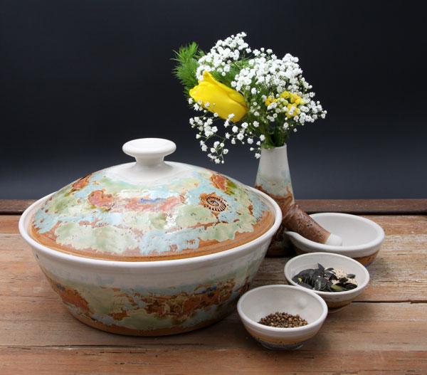 Keramik, Brottopf Dekor Neuseeland ø ca 29 cm h ca. 10,5 cm, mit Vase