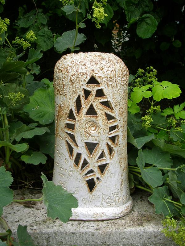 Keramik handgemacht, Grablicht Säule oval  Dekor weiß schattiert