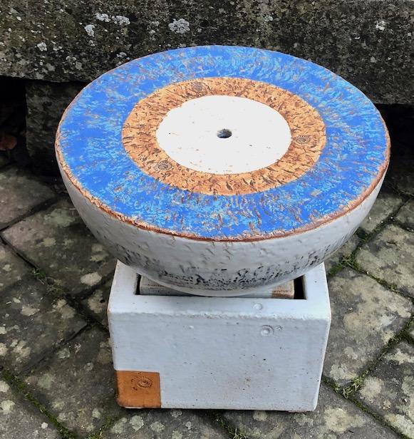 Keramik Brunnen, Quellstein ø ca. 35 cm Santorin glasiert, Becken ca. 25 x 25 x 20 cm weiss natur glasiert