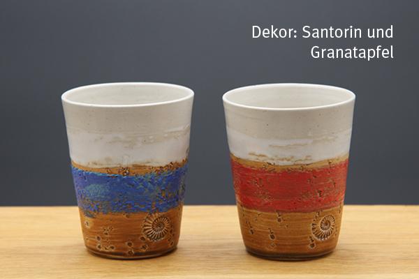 Keramik Becher Santorin und Granatapfel, H ca. 11 cm ø oben ca. 9 cm